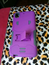 pink and black smartphone case Seattle, 98101