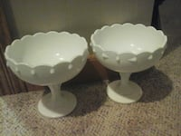 two white ceramic footed bowls big size  Eau Claire, 54703