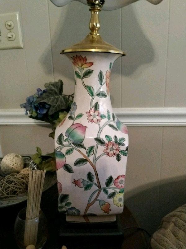 Vintage Hayward Porcelain Hand Painted Lamp