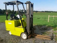Clarke 5000lb Lift Capacity Electric Forklift Saint Marys, N4X 1C4