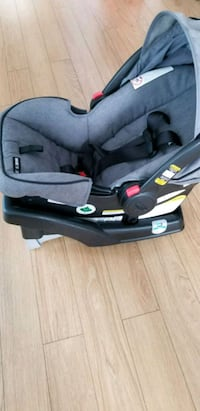 baby's black and gray car seat carrier Laval, H7N 2J2
