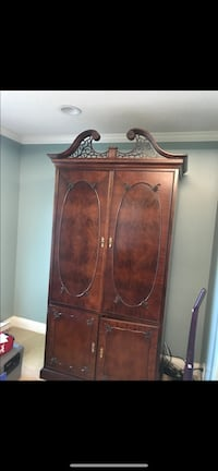 Master bedroom armoire good condition, very heavy!  Mobile, 36695