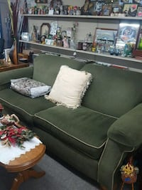 Olive green couch  Appleton, 54914
