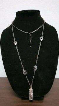 silver-colored chain necklace with pendant Hot Springs, 71901