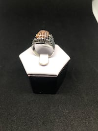 Silver ring with parallel line shape agate stone  Richmond Hill, L4C 3K1