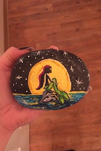 Painted rock found on river Gladstone, 97027