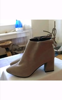 NEW Faux Suede Fall Booties / Bottes Automne  Pointe-Claire, H9R 4Y8