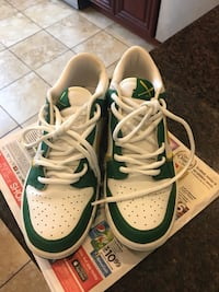 Boys Nike Sneakers Size 7y New York, 11436