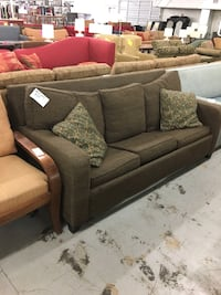Comfy Brown Couch Jacksonville, 28540