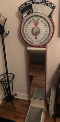 Vintage 5¢ store scale  Chicago, 60630