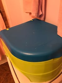 Potty Chair, Lime green,blue & white. Toddler boy or girl. Charlotte, 28214