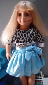 I'm trading her for a different doll message me if want to trade COUNCILBLUFFS