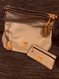 Dooney & Bourke Large Smooth Leather Hobo w/ Matching Wallet New York, 10065