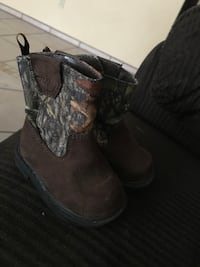 Size 2 baby boots  Merced, 95340