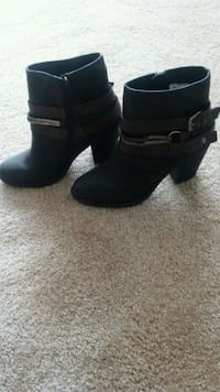 pair of black leather chunky heeled booties 52 km