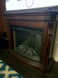 electric fireplace , works! Kitchener, N2H 0B4