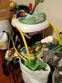 baby's white and green jumperoo Fairfax, 22031