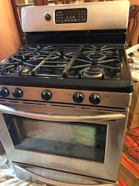 Gas Range (stove with oven & warmer draw) Toronto, M9W 6W4