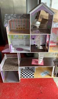 Doll house  Laval, H7M