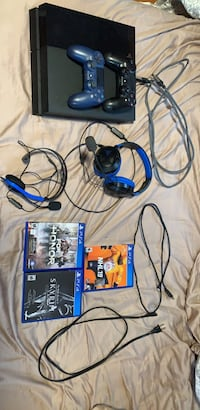 Black sony ps4 console with controller and game cases Bristow, 20136