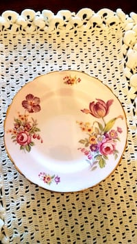Antique Tuscan pie/cake plate Barrie, L4N 6C3