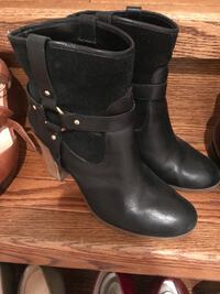 Designer women's shoes and boots Vaughan, L4H 3A1