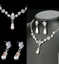 silver-colored and white pearl necklace Surrey, V3X 1P3