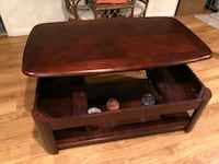 Lift up coffee table Brookfield, 60513