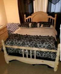 Full size bed frame Hialeah