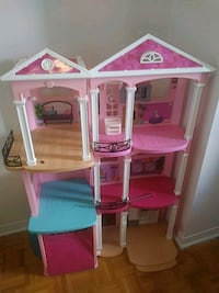 pink and white 3-story dollhouse Hamilton, L8L 8H9