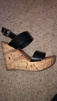 Mossimo Black Wedges Size 7.5
