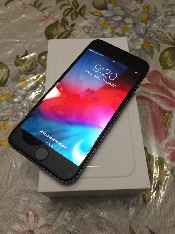 iPhone 6 ,64gigs unlocked with charger and box