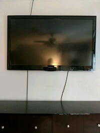 Large Insignia TV *doesn't work* Martinez, 30907