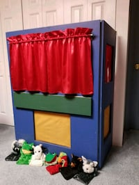 Puppet Stand/Folds Up Flat/Locks 210.00 Nottingham, 21236
