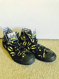 Batman CONVERSE ALL STAR high top runners! As new! Vancouver, V5S