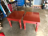 two red wooden side tables Crofton, 21114
