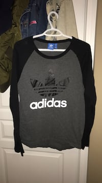 Adult small adidas baseball tee Sherwood Park, T8H 0K7