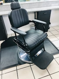 Barber chair Los Angeles, 91331