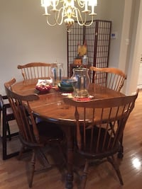 brown wooden dining table set Germantown, 20874