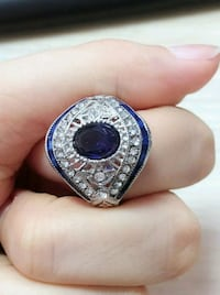 Absolutely BEAUTIFUL Vintage Ring