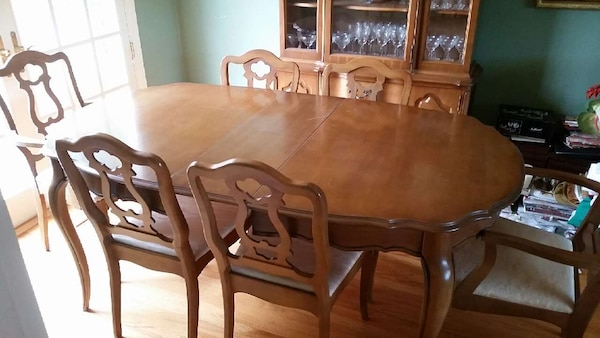1962 63 Vintage Bassett Dining Room Set
