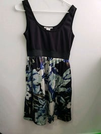 women's black and white floral sleeveless dress