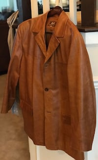 brown notch lapel suit jacket Aldie, 20105