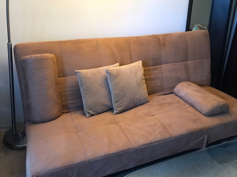 Couch/Chaise/Bed futon, w/covers & pillows bd509dac-3496-483d-8d8a-941e830aff5a