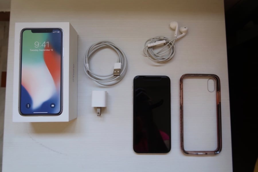 iPhone X 64gb color plata 4