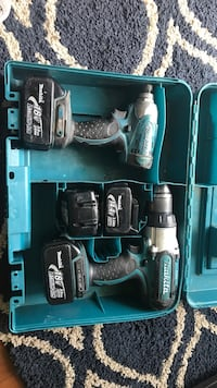 Makita drill with four battery Surrey, V3W 3G9