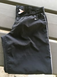 1 PAIR OF NIKE DRI FIT AND 1 PAIR OF REGULAR NIKE Chillicothe, 45601