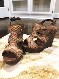 pair of brown leather open-toe wedge sandals West Columbia, 29170