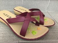 """Maroon"" Sandals Size 9 Montreal, H2Z"