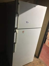 White refrigerator, clean/no broken parts will deliver w/in 10 miles